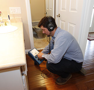Sunnyvale plumber demonstrates leak detection equipment